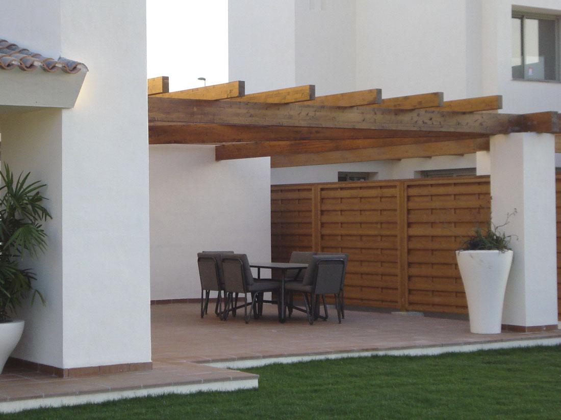 Pergolas jardin pergolas de madera murcia y alicante for Pergola jardin madera